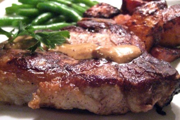 Hardal soslu domuz pirzolası