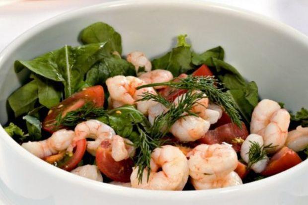 Karidesli roka salatası