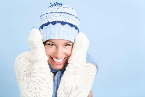 Kışın romatizma ağrısından korunmak için atkı ve eldiven takın