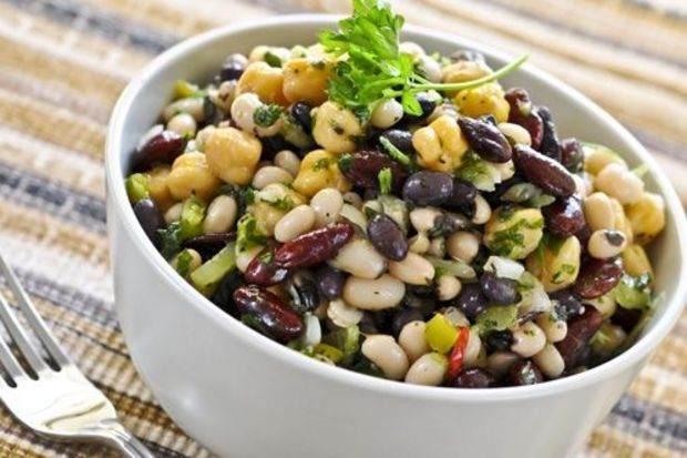 Baklagiller mix salata