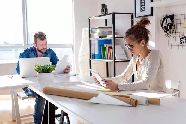 Ofiste uzun çalışma saatleri obeziteyi artırıyor
