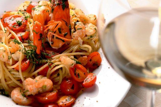 Karides, domates ve limonlu spagetti