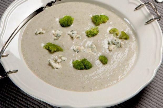 Kremalı brokoli ve mantar çorbası