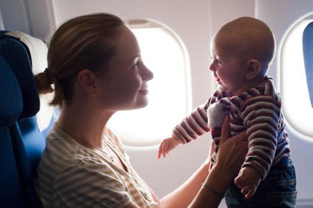 Bebeğinizin ilk uçak deneyimi