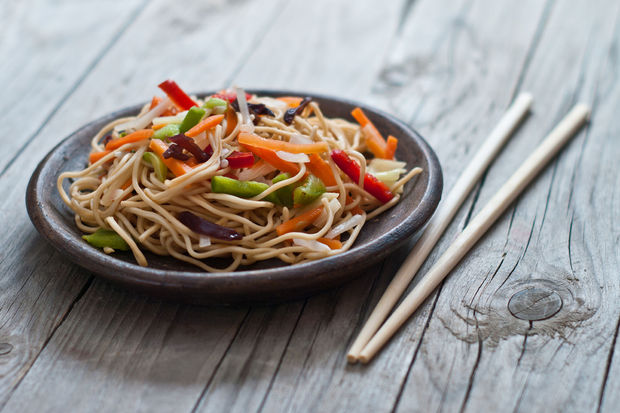 Sebzeli pad Thai noodle
