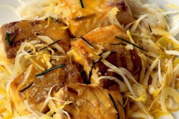 Kıtır andivlerle tatlandırılmış lagos fileto