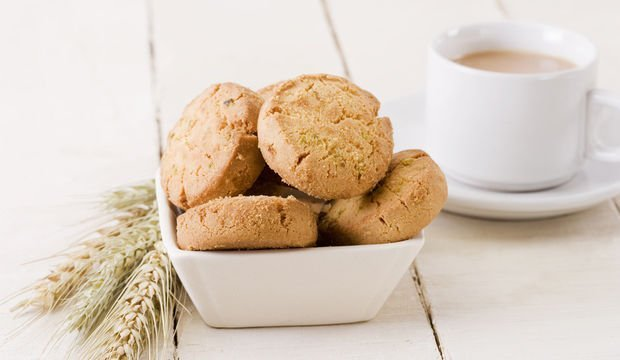 Badem ezmeli bisküvi