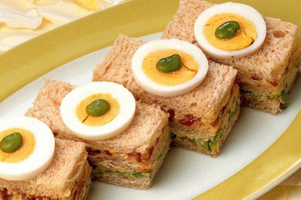 Baklalı ve salamlı mini sandviç...
