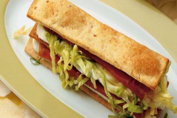 Peynirli kıtır sandviç