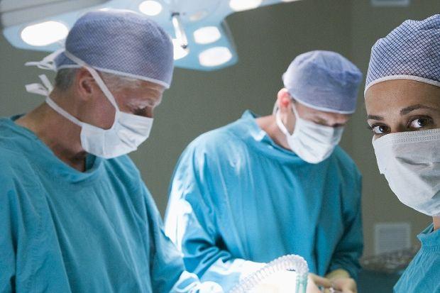 Mide fıtığının eşlik ettiği reflüde en etkin tedavi cerrahi