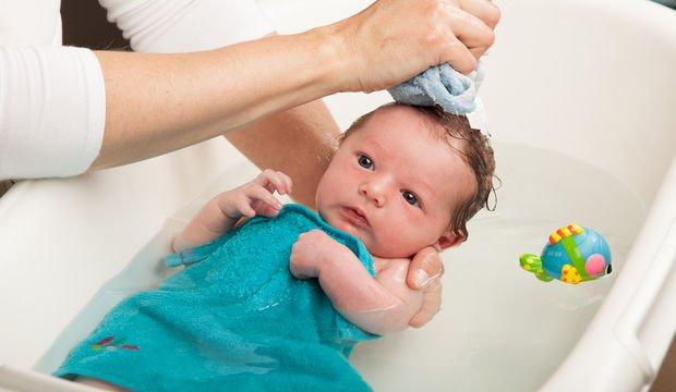 Bebek yıkamanın püf noktaları