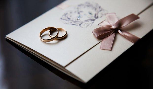 Düğününüze misafirlerinizi davet etmenin şık yolları