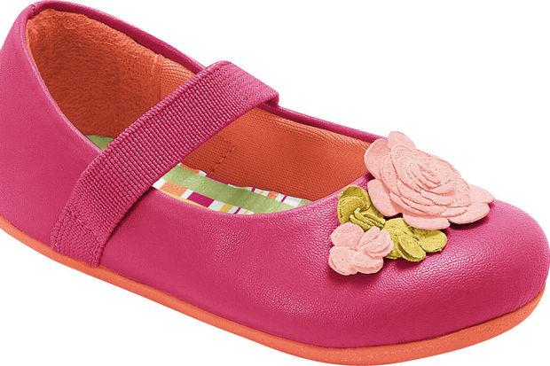 Panço yeni sezonda kız çocuklarının şıklığını Pampili marka ayakkabılar ile ön plana çıkartıyor