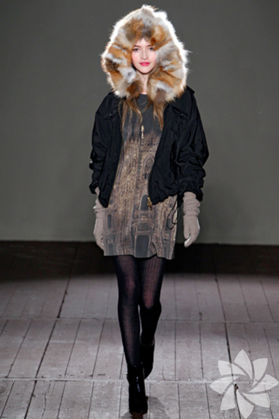 Moschino Cheap & Chic 2011 Sonbahar / Kış Koleksiyonu