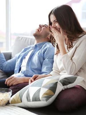 Sevgiliyle evde romantik bir gün için öneriler