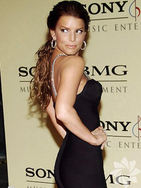 Jessica Ann Simpson (d. 10 Temmuz 1980) ABD'li pop şarkıcısı, aktris.