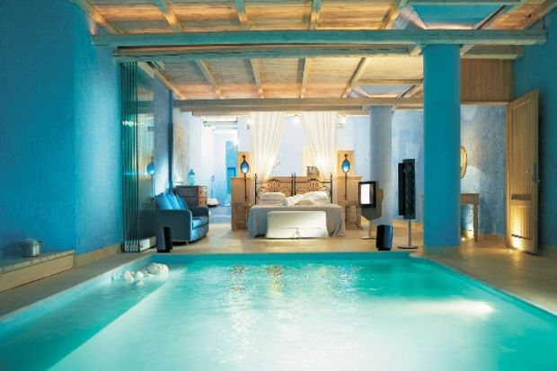 Evinizin içinde havuz olduğunu düşünün...