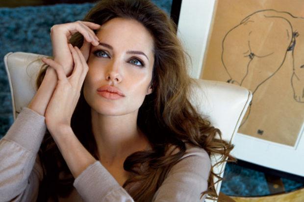 Günde 600 kalori alan Angelina Jolie 44 kilo