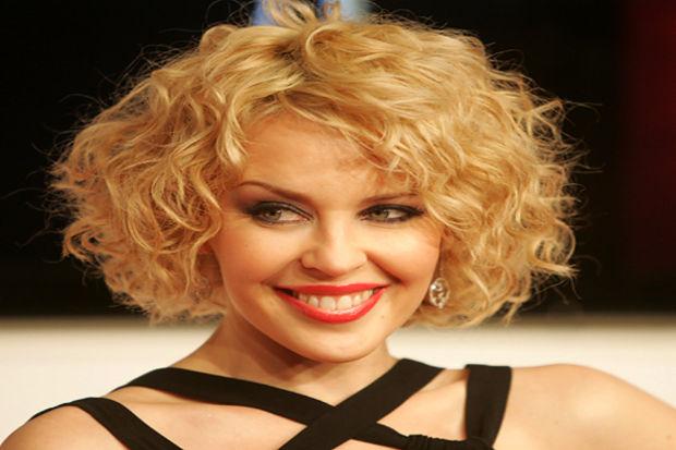 Yeni yıla ünlülerinki gibi bir saç modeliyle girmek istemez misiniz?