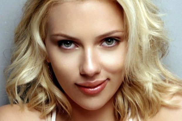 Scarlett Johansson'a  rock'çı sevgili