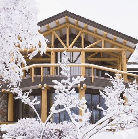Aspen'de modern bir dağ evi
