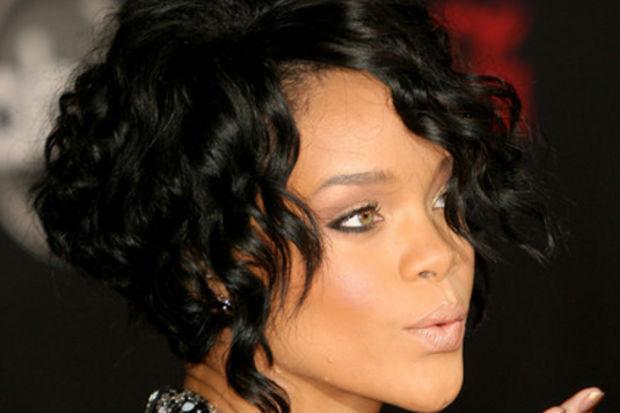 Saçını kestirmek isteyenler için 10 ünlünün favori saç trendleri...