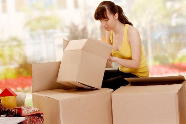 Tek başına yaşayan kadınlar için taşınma rehberi