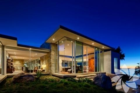 Manzarayla buluşan çağdaş tasarımlı ev