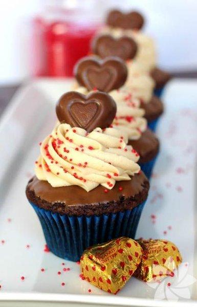 Sevgiliniz için birbirinden renkli ve lezzetli cupcakeler