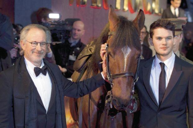 Spielberg atlarla Oscar'a dört nala!