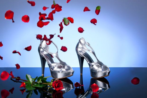 Sevgililer günü için özel bir ayakkabı!