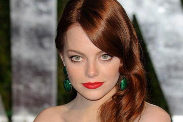 Emma Stone'un makyaj çantasından eksik etmedikleri
