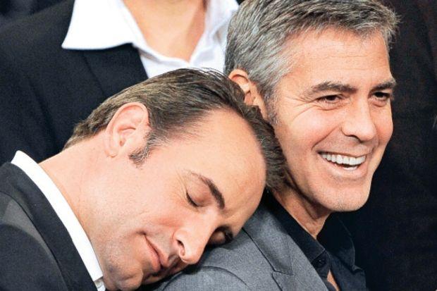 Jean Dujardin'den Oscar yemeğinde artistik hareketler