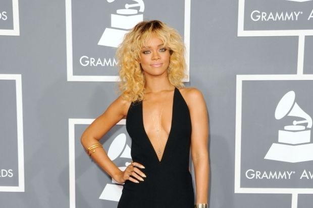 Rihanna'nın binlerce dolar değerindeki manikürü!