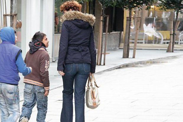 Meltem Cumbul sokak çocuklarına mantı ısmarladı