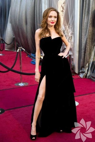Angelina Jolie - Versace