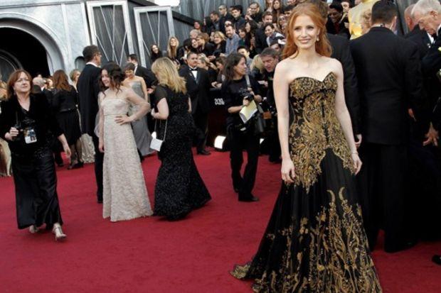 84. Oscar Ödül Töreni'nde hangi ünlü ne giydi?