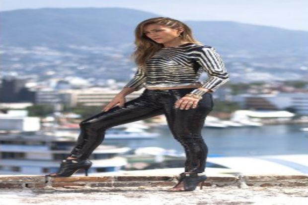 Jennifer Lopez yeni klibinin çekiminde, vücuduyla tüm dikkatleri üzerinde topladı!