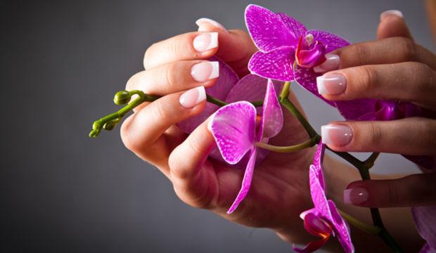 Açık renk oje modasına uymak için dikkat etmeniz gereken 4 madde!