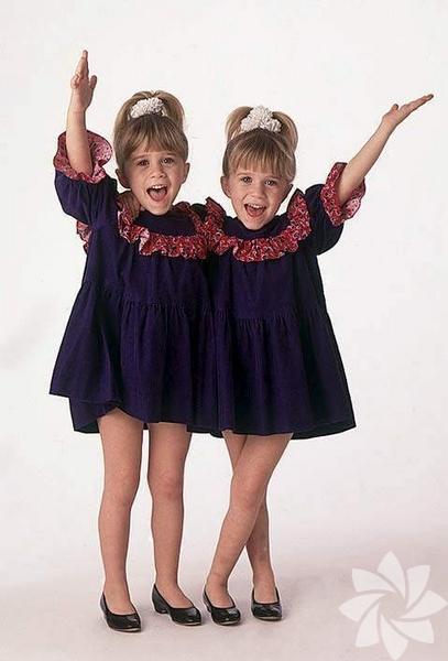 Mary Kate Olsen ve Ashley Fuller Olsen kardeşler 13 Haziran 1986 yılında Amerika'da doğdu.