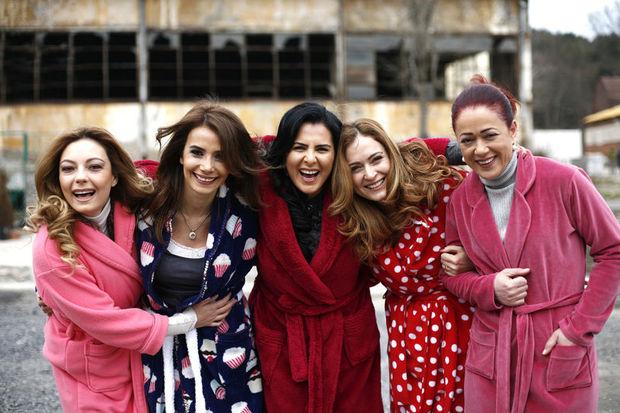 'Umutsuz Ev Kadınları'na eczacılardan ihtarname!