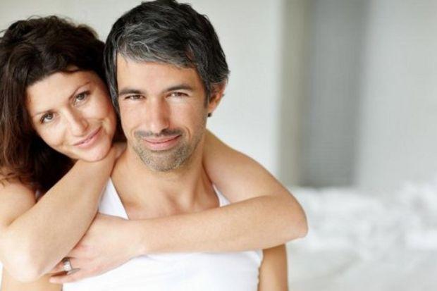 Erkeklerin yüzde 29'u, kadınların ise yüzde 22'si ilk flörtleriyle evleniyor