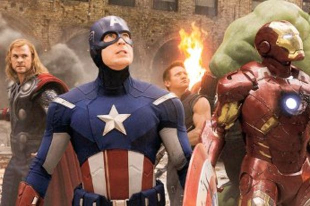 Bütün kahramanlar toplandık