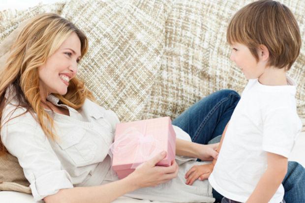 Annelere birbirinden değerli hediyeler
