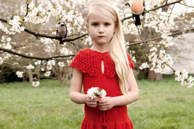 Ünlü mankenin 6 yaşındaki kızı modelliğe adım attı!