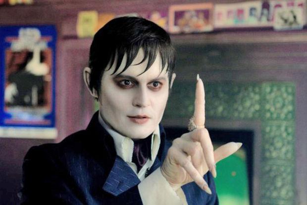 """Johnny Depp hayranlarına müjde, """"Karanlık Gölgeler"""" geliyor!"""