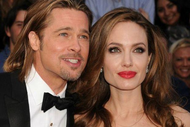Jolie, Brad Pitt'e helikopter aldı