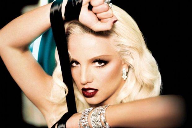 Ünlü şarkıcı Britney Spears ile zaman tünelinde yolculuk