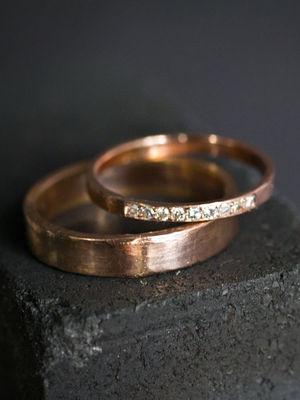 Evlenecek çiftler için alyans modelleri
