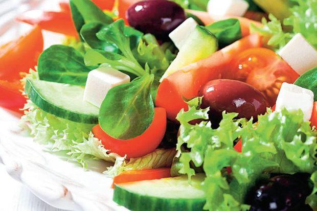 Sarmısaklı semizotu salatası